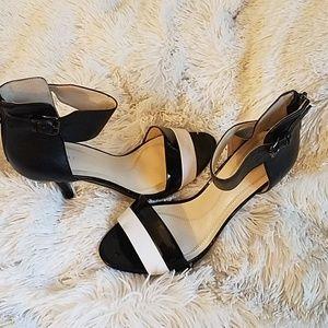 Tahari Laura Leather Colorblock Open Toe Sandals